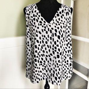 ☕️ 5/$25 Target A.New.Day Dalmatian Blouse
